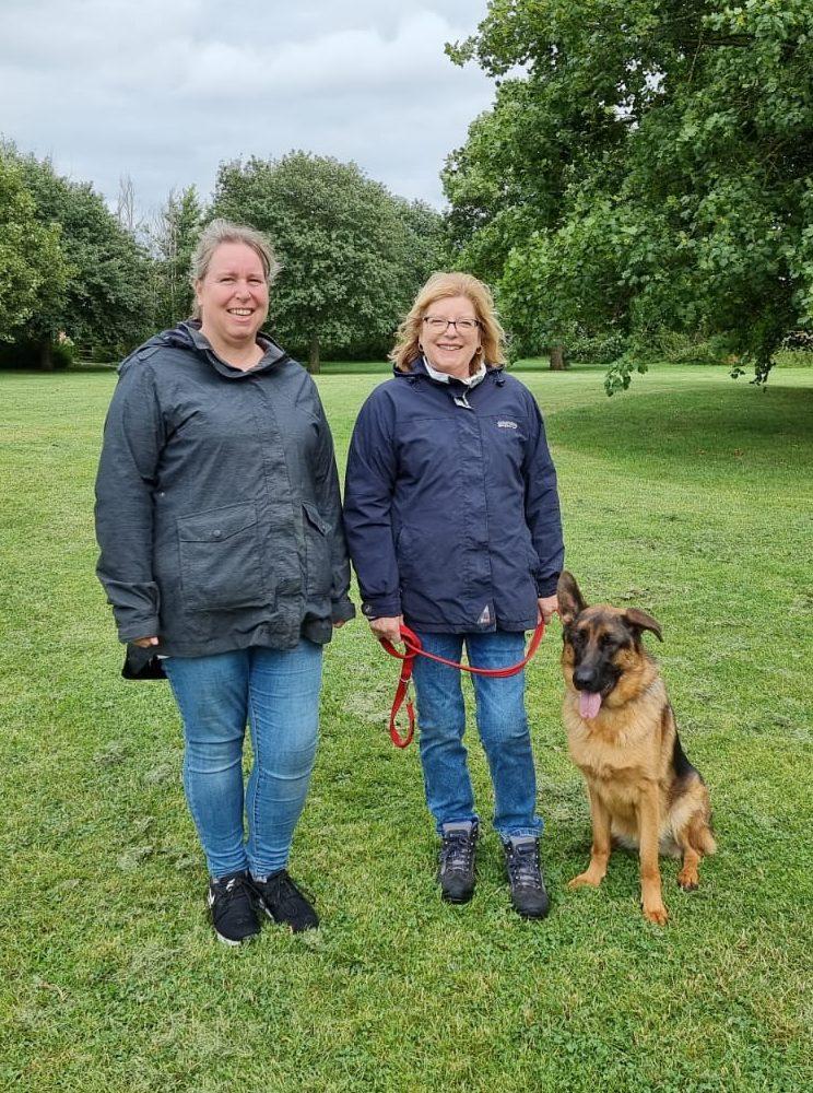 Linda and het GSD Luna Vislor - Salisbury Residential Dog Training handover